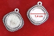 Nickel, Lead & Cadmium FREE DIY JEWELRY BLANKS PENDANT TRAY Double Sided Antique Silver. Inner: 1.4 cm Size: 2.0 cm 3.4 Grams Double Sided Antique Silver Finish For Cameo Glass Cabochon Setting Bezel Blank Pendant Base Tray DIY Jewelry Making